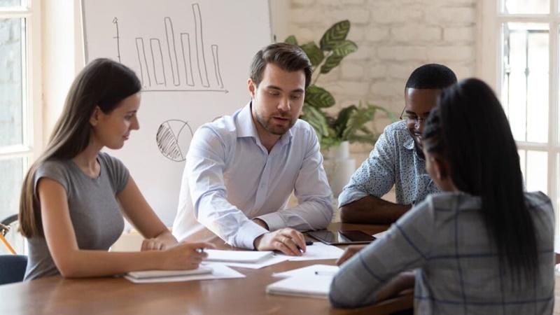 Gestão empresarial: passo a passo de como elaborar um plano de negócios